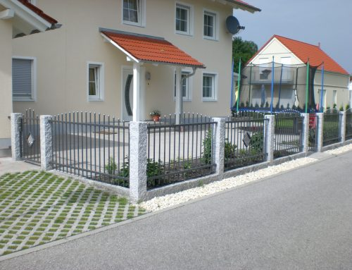 Aluminiumzaun mit Granitpalisade